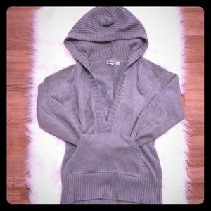 Sweaters - Hooded Gray V neck sporty sweater